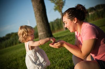Being Kind Makes Kids Happy | Greater Good