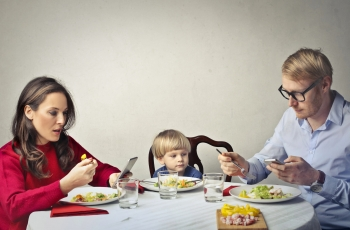 Three Tips for Parents to Put Away Their Phones