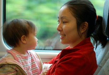 How Moms Can Cultivate Positive Emotions