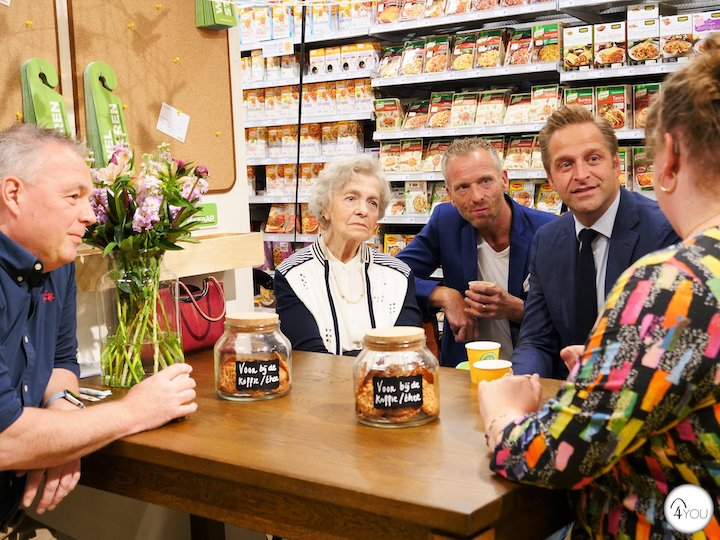 Dutch supermarket fights loneliness
